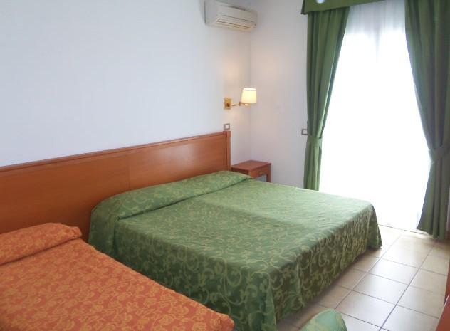 Tripla Vista Mare Pellegrino Palace Hotel