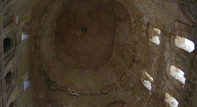 Grotta san michele arcangelo Monte Sant Angelo